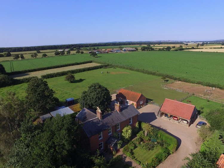 Aerial view of Dining room in Redhouse Farm Bed & Breakfast near Lincoln