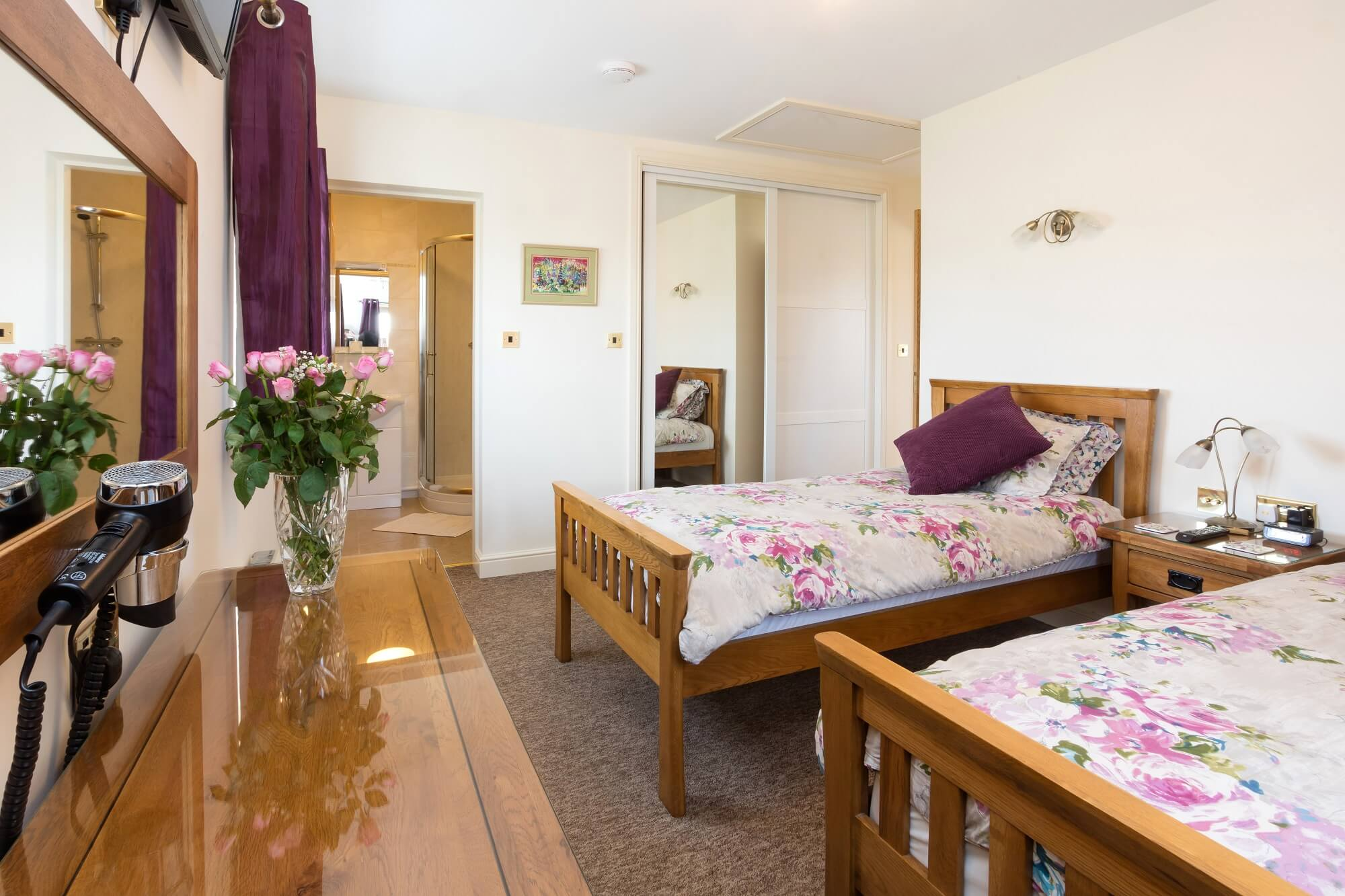twin bed room at Redhouse Farm Bed & Breakfast in Lincolnshire